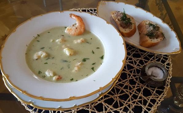 суп-пюре из креветок и брокколи