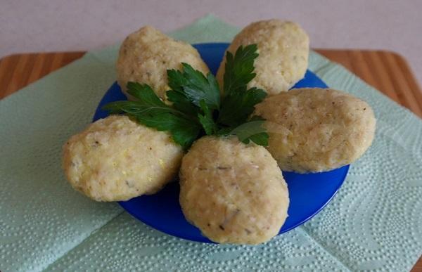 рыбные котлеты с картофелем на пару